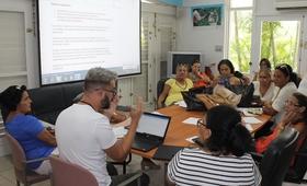 docentes de San Miguel del Padrón (La Habana), Buey Arriba (Granma) y Cumanayagua (Cienfuegos), territorios en los cuales ha iniciado la implementación de los estándares de calidad de los servicios de SSR para adolescentes.